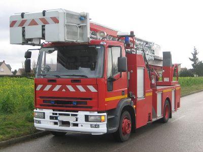 Vue d'ensemble - échelle pompiers - détecteur de lignes électriques aériennes haute tension
